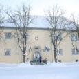 Kuressaare linnavalitsus ei esitanud 2002. aastal raekoja katust remontinud ehitajale pretensioone kehva töö kohta kohe. Nüüd, aastaid hiljem pole seda enam võimalik teha ja katuse remondiks tuleb linnal taas raha välja käia.