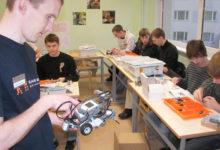 Ametiõppurid õpetavad Lego robotid hääletama