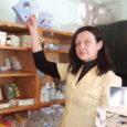 """""""Maarahvas annab oma hädadega apteekrile parima õppetunni,"""" tõdes Maire Rõmmel Kihelkonna apteegist Eesti apteekrite liidu ajakirjale Eesti Rohuteadlane antud intervjuus kaks aastat tagasi."""