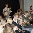 Jaanuari viimase nädala lõpul andis Orissaare kultuurimajas harjutuslaagriks kokku tulnud Eesti saarte noorte puhkpilliorkester tunniajase kontserdi tutvustamaks kahe päeva jooksul mängitut.