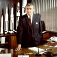 Läinud aasta sügisel nägi Ameerika Ühendriikides ilmavalgust uus, küllaltki erapooletu hoiaku ja poliitiliste eelarvamusteta kirja pandud raamat saksa päritolu raketigeeniuse Wernher von Brauni elust ja tegevusest. Raamatu autor, ameerika ajaloolane ja publitsist, Pulitzeri preemia laureaat Wayne Biddle jutustab üksikasjalikult von Braunist kui natside kättemaksurelva (Vergeltungswaffe), raketi V-2 konstruktorist.