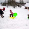 Metsküla külaseltsi eestvõtmisel tuli nädalavahetusel talverõõme nautima 74 suurt ja väikest külaelanikku. Inimesi jagus nii suusa- kui ka kelguradadele. Sõita sai jääkarusselligagi.