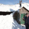 Kolmapäeval ei pidanud lume raskusele vastu Valjala vallas Rahu külas asuva talumaja katus ja vajus suure raginaga sisse. Majas elanud kaks vanemat inimest õnneks viga ei saanud.