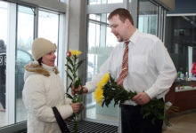 Auriga keskus üllatas naiskülalisi lilleõiega