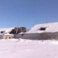 Valjala vallas Saklas vandus lumele alla tühjalt seisnud lauda katus.