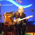 Läinud reedel pakkus Jazz del Mar meile taas tunnikese head muusikat. Kultuurikeskuse laval musitseeris kolm soome habemikku – Pharaoh Pirttikangas. Publikule oli lubatud bluusi ja seda nad ka said. Ning nii mõndagi veel peale selle…