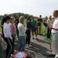 Kuressaare kingib suurema osa Saaremaa Golfi osalusest tingitud linnale kuuluvast tasuta mänguõigusest golfiväljakul Kuressaare gümnaasiumis golfikursuse lõpetanud ja green card´i saanud õpilastele.