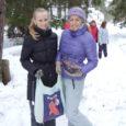 Riigimetsa majandamise keskuse (RMK) Saaremaa puhkeala ja Kuressaare gümnaasiumi koostööleppe alusel saavad kõik KG lapsed õues õppides teadmisi juurde nii faunast kui ka floorast.