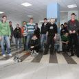 Kuressaare ametikoolis võistlesid õpilaste programmeeritud robotid eile omavahel neljal alal: sumos, köieveos, slaalomis ja palliviskes.