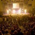 """Eesti 80-ndate sündipopi lipulaeva, aastaid varjus püsinud ansambli Mahavok naasmiskontsert """"Meridiaanid"""" tõi möödunud laupäeval Kuressaare spordikeskusse kokku üle tuhande muusikahuvilise nii saarelt kui ka mandrilt."""