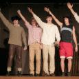 """Nädalavahetusel Tartus 28. korda toimunud riiklikul kooliteatrite festivalil sai saarlasi esindanud Kuressaare gümnaasiumi 11.a klassi lavastus """"On üks koht..."""" lisaks preemiatele žüriilt kiita eheduse eest."""