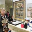 """Terje Lapp lõpetas Saaremaa kunstistuudios programmi """"Täiskasvanute koolitus vabahariduslikes koolituskeskustes"""" (toetajad Euroopa Sotsiaalfond ja Eesti riik) raames kursuse """"Loov Saaremaa kultuurilugu"""" (juhendaja Aili Jung) ning tõi läinud nädalal kursuse näitusele oma töö """"Minu vanaema Lilli Christine lugu""""."""