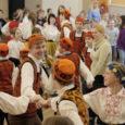 Eile tähistati Eesti rahvatantsu ja rahvamuusika seltsi üleskutsel üleriigiliselt rahvusvahelist tantsupäeva ühiselt kaerajaani keerutades.