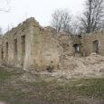 Laadjala mõisahoone omanik Kalle Kirs tahab 19. sajandi esimesest poolest pärineva Laadjala mõisa kivivaremed lammutada ja ehitada nende asemele elumaja.
