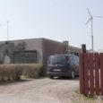 Kudjapel elava Rein Õue naabrite vahel paksu verd tekitanud tuulegeneraator on üleaedsete vastuseisule vaatamata viimaks püsti ja töölepanekuks valmis.