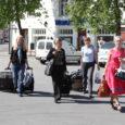 Eile hommikul tuli Tallinn–Kuressaare–Tallinn lennule pileti ostnutel vaatamata pilvitule ilmale taas bussiga loksuda nii pealinnast saarele kui ka vastupidi. Lennu ärajäämise põhjuseks oli sel korral tehniline probleem.