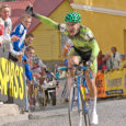 Vaid 16-aastane Mihkel Räim suutis Saaremaa velotuuri teisel etapil kõik nimekad ratturid paika panna ja veeres esimesena üle finišijoone.