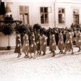 Saaremaa naiskodukaitsjad, kes tänavu oma 85. juubeliaastat tähistavad ning kes viimati olid rivis 1939. aastal, marsivad võidupühal koos kaitseliitlastega taas Kuressaare kesklinnas.