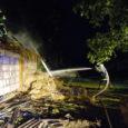 Ööl vastu kolmapäeva lõi Kaarma vallas pikne vanasse loomalauta ning lõhkus ka lähedal asuva kiviaia. Tänu tugevale vihmasajule, mis sädemed kustutas, jäi elumaja tulest puutumata.