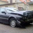 Laupäeva päeval sõitis BMW Kuressaares Pikal tänaval kõnniteele ja lõhkus kaks liiklusmärki. Inimesed õnnetuses kannatada ei saanud.