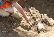 Valjala väljakaevamised on toonud päevavalgele 15 hauda