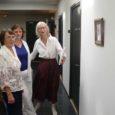 Kolm kursuseõde Tartu kunstikooli päevilt – Aili Kivioja, Anu Roosma ja Tiilia Trubetskoi – tõid oma elegantsed aktikrokiid saarlastele näha ja riputasid need üles Ajamaja galeriis.