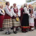 Eesti Vabariigi iseseisvuse taastamise aastapäeval laulis Saaremaal ja Abrukal kokku üle poole tuhande inimese. Uudses ettevõtmises – ühtelaulmise digilaulupeol – osalemiseks oli maakonnas registreeritud kolm kohta, kus Põltsamaal olnud dirigentide taktikepi all kaheksa isamaalist laulu lauldi ning kust pilt interneti vahendusel omakorda Tallinna Vabaduse väljakule jõudis.