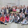 Grupp Olvera linnast pärit noori hispaanlasi käib nädala jooksul läbi terve Saaremaa – uuritakse, kuidas on siin noortel lood tööle saamisega ja millised on kohalikud tööturuprobleemid ning ühes Leisi keskkooli õpilastega proovitakse ka kartulivõtutööd.