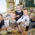 Esmaspäeval Kuressaare vanalinna koolis alanud puu- ja köögiviljapäevad on hooga käima läinud.