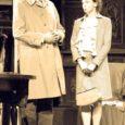 """3. oktoobril esietendus Kuressaare Linnateatris Arthur Milleri """"Hind"""". 1968. aastal Ameerikas avaldatud näidendi lavastaja on Heiti Pakk ja kunstnik Rein Nettan. Osades Riho Kütsar, Elina Reinold, Guido Kangur ja Aarne Mägi."""