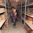 Valjala põhikooli 5.–9. klassi õpilased (fotol esiplaanil Tiina Soots) tutvusid eile Kuressaare linnusega. Kooli direktori Aive Mõistliku sõnul viisid muuseumitunnid läbi muuseumi töötajad.