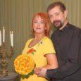 Saare maavalitsuse vastrenoveeritud saalis, milles ka 40 aastat tagasi abielusid sõlmiti, registreeriti eilsel põneval kuupäeval 20.10.2010 esimesed abiellujad – kolm paari. Üks noorpaar sõlmis aga oma abielu eile Kuressaare linnuses.