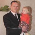 Eilsel tänutseremoonial Kuressaare linnuse kapiitlisaalis jagati õnnitlusi tänavusele Saaremaa aasta isale, kelleks seekord valiti Lümanda vallas Leedri külas elav nelja lapse isa Meelis Kuivjõgi.