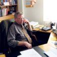 Tõnu Hütt (70) on mees, kes omal ajal tegi peaaegu mõistusevastase teo – tuli pärast EPA lõpetamist vabatahtlikult Saaremaale elama ja tööle. Kursusekaaslased ei suutnud ära imestada, oli ju Tõnu saanud suunamise tolle aja unistustepaika keset Eestit – Paidesse.