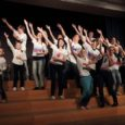 """Teisipäeva õhtul asutati Kuressaare gümnaasiumis näitlemisklubi. Idee pakkus välja 11.a klassi õpilane Karoli Priske. """"Klubi on mõeldud õpilastele, kes on mingil moel kokku puutunud avalike esinemistega või lihtsalt armastavad teatrit […]"""