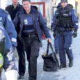 Eurode vedu pankadesse tõi eile pärastlõunal Saaremaal Kuressaares kaasa turvaoperatsiooni, milles osales ka piirivalve lennusalga helikopter.
