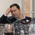 """Saaremaalt pärit, kuid praegu Tallinnas elaval ja riigiametnikuna töötaval Tiina Linnol avanes võimalus kohtuda briti talendi Paul Pottsiga. """"Pean tunnistama, et veidi naljakas ja kummaline tunne on sattuda sellisesse rolli, kus sind äkki tuntud inimesega seostatakse."""