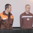 Eile seisid Kuressaare kohtumajas kohtu ees Robert Nautras ja Margus Ruus, kes mullu novembris Kuressaare arestimajas valvurile kallale tungisid ja seejärel plehku pistsid.