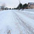 Kuressaares Tuule tänava keskel paiknenud kollased betoonplokid viidi linnavalitsuse pressiesindaja Silver Saluri sõnul talvehooajaks minema, et tänaval oleks parem lund koristada ja vajadusel ära viia jne.
