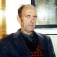 Vassili Auväärt (82) on Muhumaa mees, kes on kolm aastakümmet oma elust teinud Rahva Hääle korrespondendina lehelugusid Lääne-Eestist ja saartest. Selle töö eest tunnustati teda ENSV teenelise ajakirjaniku austava nimetusega, mis oli tema kirjameheaastatel üks suuremaid tunnustusi selle ala inimestele.