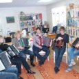 Algajad karmoskamängijad said neile antud keeruliste õppeülesannetega hakkama laupäeval, 8. jaanuaril Koguvas toimunud tasuta pillimängukoolitusel.