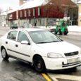 Kui parkimist keelav tähistus teekattel ei ole nähtav, siis ei pea autojuht oletama, kas selles paigas võib olla märgistus, mis keelab parkimise. Küll aga läheb asi karmiks siis, kui hommikul lumele pargitud auto alt päeva jooksul lumi sulab ja kollased jooned nähtavale ilmuvad.