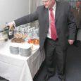 """""""Üle aastate on meil pesapaik,"""" märkis Sotsiaaldemokraatliku Erakonna Saaremaa piirkonna juht Jaanis Prii eile Kuressaares, kus avati SDE büroo. Prii lootis, et inimesed leiavad Lossi 9 asuvad ruumid üles ja tulevad sinna ka uute mõtetega."""