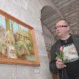"""Eile pärastlõunal Kuressaare piiskopilinnuse keldrisaalis avatud näitus """"Kunst tuleb kapist välja"""", kus eksponeeritud 80 taiest – joonistused, graafika ja maalid Tõnis Kipperi erakogust, üllatas rohkearvulist publikut mitmes mõttes meeldivalt."""