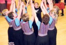 Maakonna naisrühmad harjutasid tantsusamme