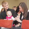 Kaarma vallavalitsus kutsus eile pidulikule koosviibimisele kõik eelmisel aastal vallas sündinud lapsed. Loomulikult paluti nad peole koos emmede-issidega.