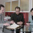 Tallinna ülikooli Konfutsiuse instituudi Hiina direktor Ke Lin ning õpetajad Shuang Liang ja Wei Yu tutvusid Kuressaare gümnaasiumi ja siinse hiina keele õppega.