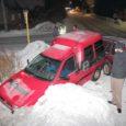 Eile õhtupoolikul kell 17.25 juhtus autoavarii Kuressaares Pihtla tee ja Kevade tänava ristil, kus Volkswagen sõitis sisse vanemat tüüpi Seatile, mis paiskus saadud löögist lumehange.
