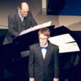 Üleeile allkirjastasid rahvusvaheline Arvo Pärdi Keskus ja Swedbank koostöölepingu, mille kohaselt toetab pank keskuse rajamist Eestisse. Keskuse eesmärk on säilitada ja tutvustada helilooja pärandit. Külastajatele on keskus plaanis avada 2015. aastal. Üritusel laulis noor andekas Saaremaalt pärit laulja Heldur Harry Põlda, keda saatis klaveril maestro Arvo Pärt.