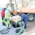 23. veebruari pärastlõunal jäi Saarte Hääle fotograafi kaamerasilma ette vilgas kaevetöö Kuressaares Kevade ja Jaama tänava ristmikul.